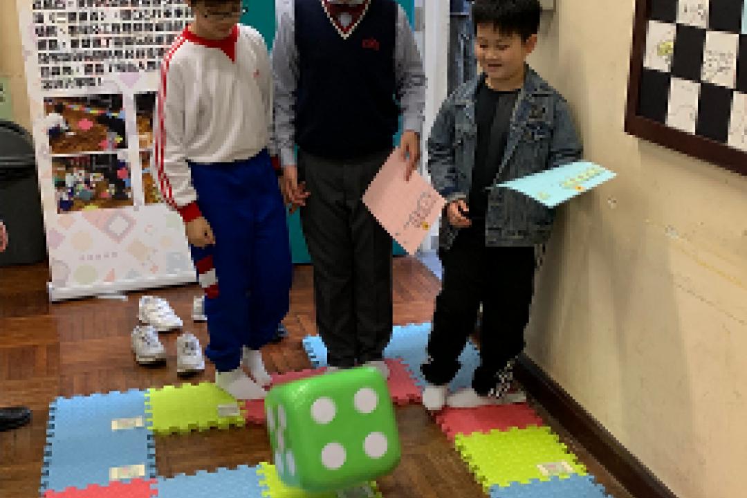 參與中學舉辦的「小小發明家」資優創意計劃