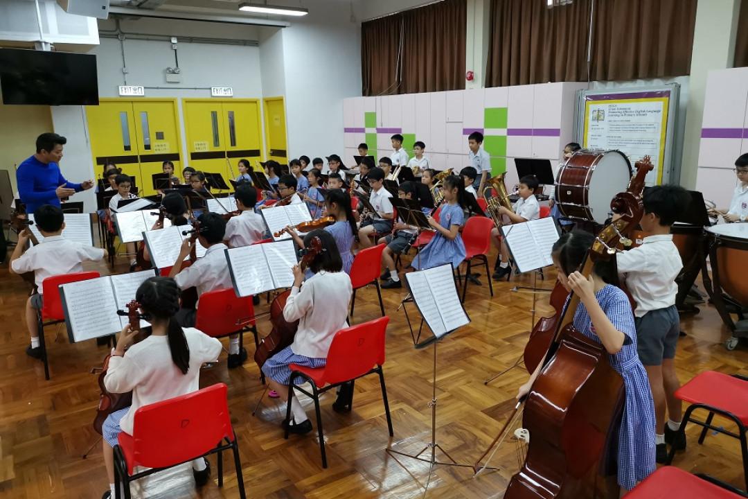 呂小管弦樂團